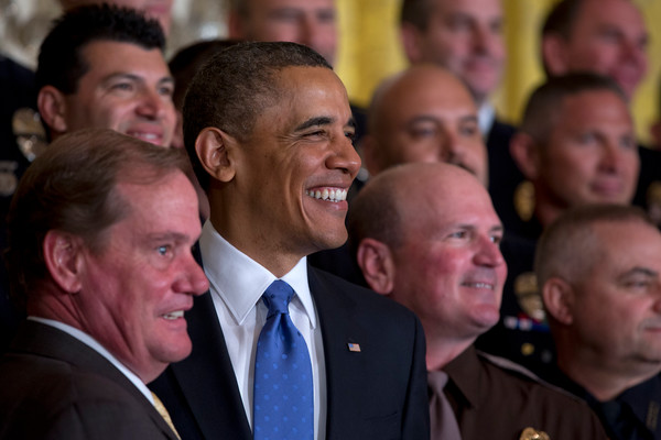 """Obama praises hero NYPD cop and girlfriend during White House ceremony<span class=""""rating-result after_title mr-filter rating-result-353""""><span class=""""no-rating-results-text""""></span></span>"""